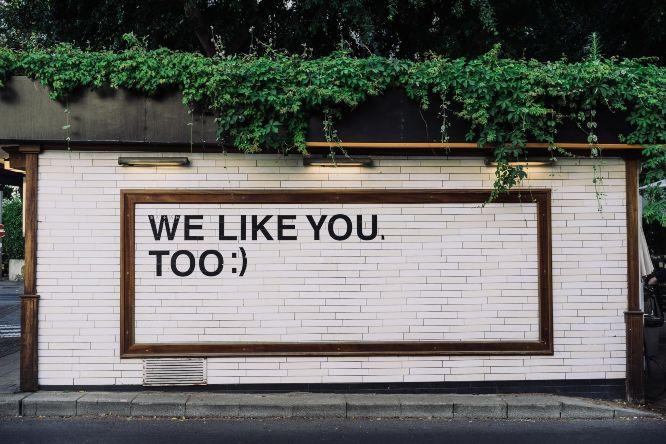 adam-jang-8pOTAtyd_Mc-unsplash poster street we like you, too