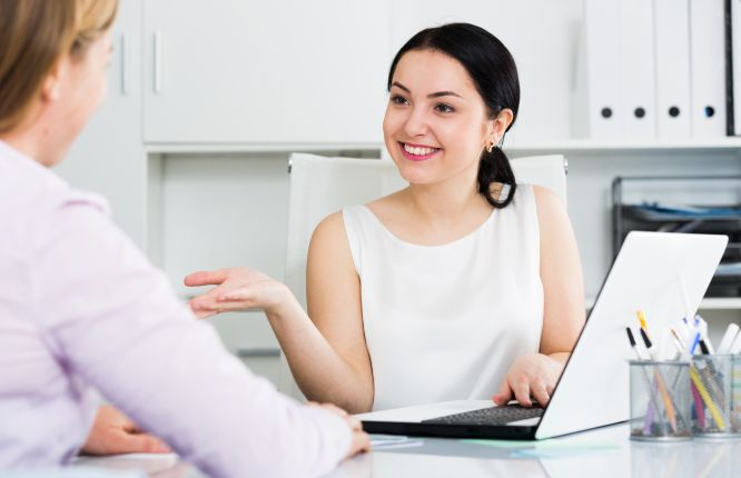 female-manager-with-client